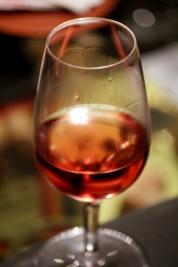 vin rose colorat