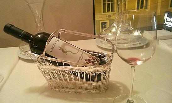 servire vin Lacerta