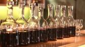 vin rosu in carafa