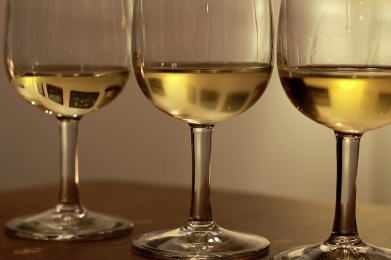 verticala vin alb