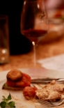 vinul si mancarea