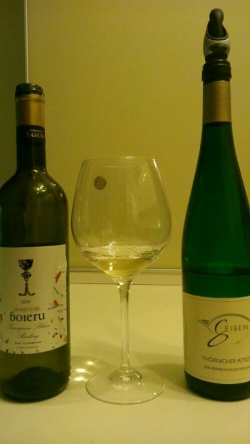 doua sticle de Riesling