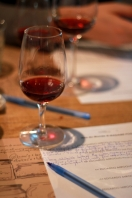pahar de vin si fisa de notare