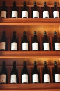 raft cu vinuri