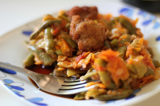 light meal with green beans and meatballs