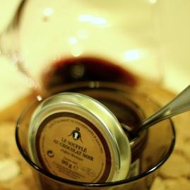 ciocolata si vin rosu