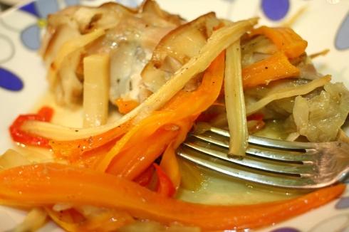 iepure la tava cu legume