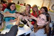 ciocnind cu vinuri romanesti